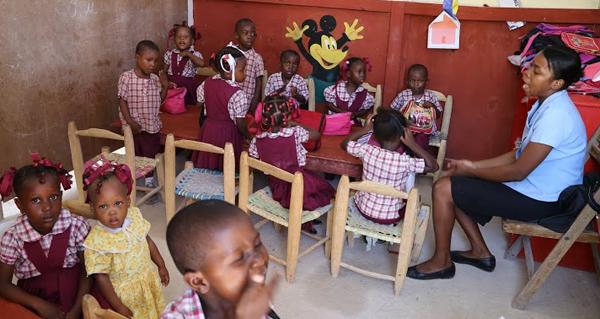 Haiti.OpeningSchool39A